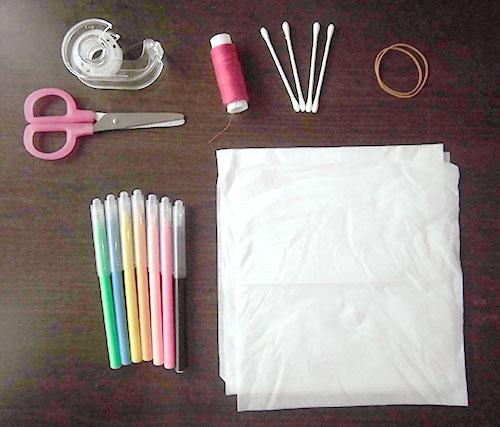 てるてるぼうずバレリーナ 材料 ティッシュ10枚程度、はさみ、セロテープ、綿棒4本、輪ゴム2本、サインペン、吊下げ用の糸